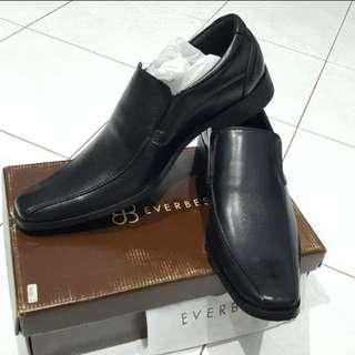 Sepatu Pantofel Pria uk 41 merk Everbest NEW