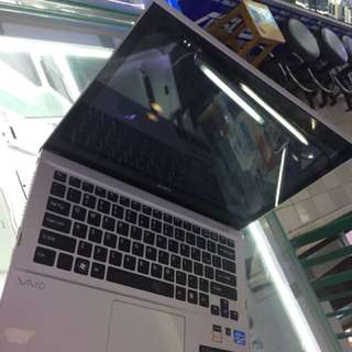 Laptop sony Vaio T series core I5 Ram 4 SSD 100