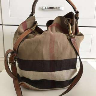 Burberry Handbag - The Medium Ashby in Canvas Check and Leather (Original)