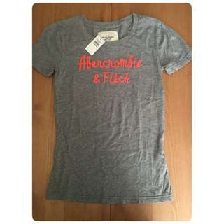 A&F tee size small (brand new authentic )