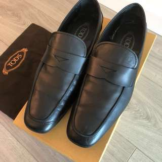 Tod's Men's Loafer Shoes - Good Condition