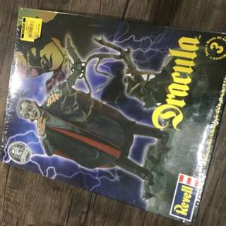 Revell Universal Monsters Dracula