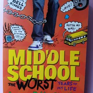Middle School : the worst years of my life  (best seller)