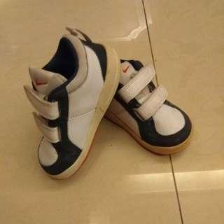 Nike baby shoes 13cm (1yrs++)