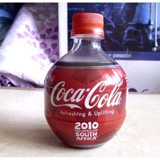 可口可樂10年南非世界杯足球紀念版球型膠樽一枝