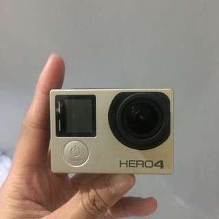 Go Pro Hero 4 Silver w/ 32gb memory card