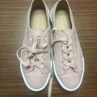 Rose pink shoes from H&M