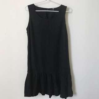 black dress uniqlo ori