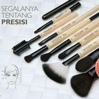 Brush & make up brush stand
