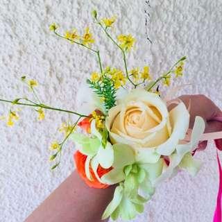 Fresh Flower Wristlet