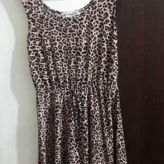 🚚 豹紋假綁帶腰鬆緊傘狀洋裝