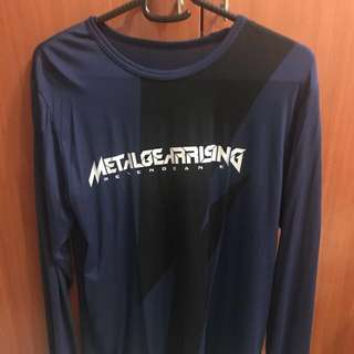 Preowned (M) Uniqlo Long Sleeve Heattech Metal Gear Solid