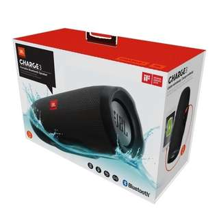 JBL Charge 3 - On Hand