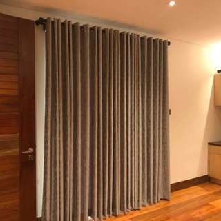 Blinds,curtains,carpets and wallpapers