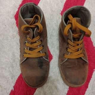 Sepatu anak l