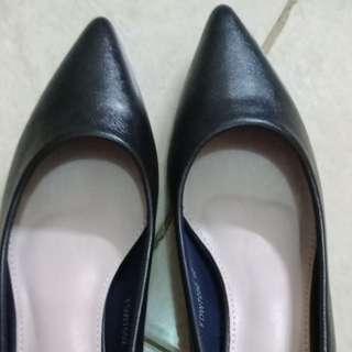 Sepatu gabino venya navy