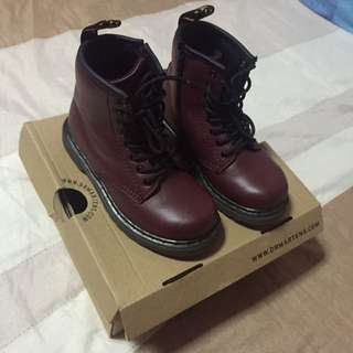 Clearance Dr. Martens