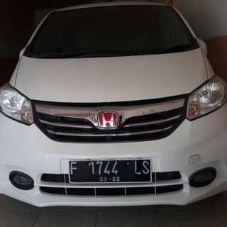 HONDA FREED PSD MATIC TAHUN 2012 WHITE