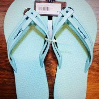 Ipanema Mais Tiras ▪️ Original & Brand New ▪️ Size 6 USA ▪️ Price is still negotiable▪️