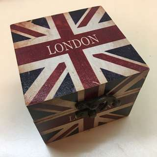 UK flag wooden box