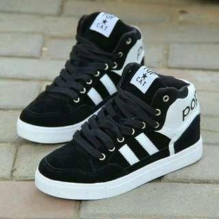 Sepatu black white