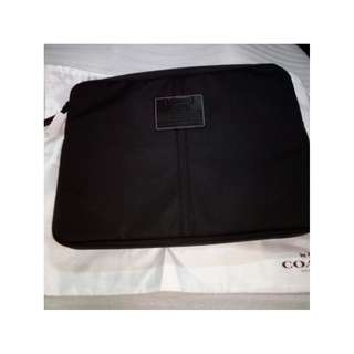 100% New with tag Coach 70130 Laptop Case