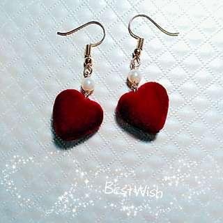 🚚 酒紅愛心絨布  珍珠耳環  可改耳夾