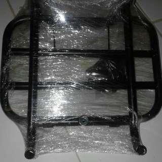 [Sale] Primavera / Sprint 4pc sale backrack + frontrack + windshield + footrest