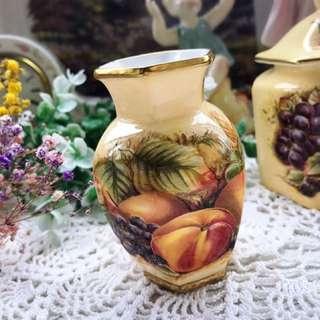 🚚 英國製Aynsley經典黃金果園華麗描金系列骨瓷六角小花瓶