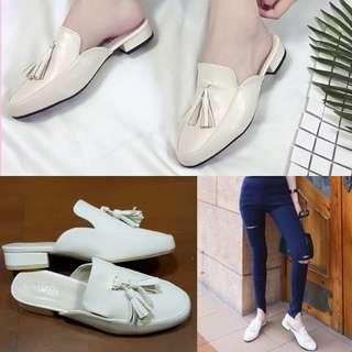 Slip on shoes in white