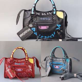 Balenciaga Graffiti new