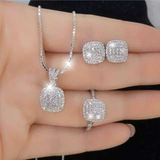 BRAND NEW perhiasan emas 1 set swarovski