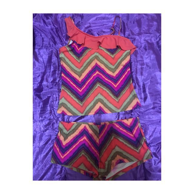 2-piece swimwear L on tag but best fits M