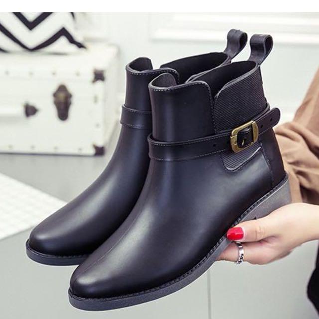 時尚釦環雨靴