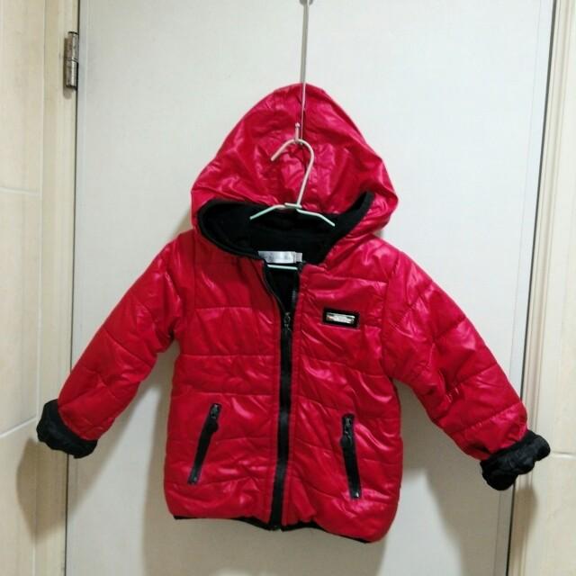小月亮紅防風外套