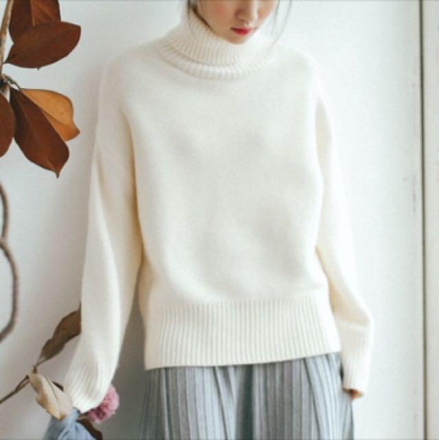 純白高領針織毛衣
