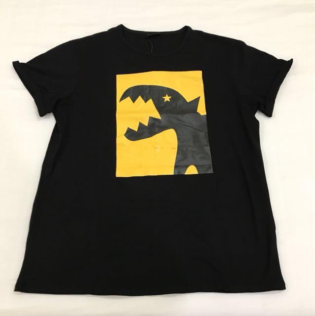 全新正品 Agnes.b sport  恐龍 男款 短袖 T恤 黑 尺寸4
