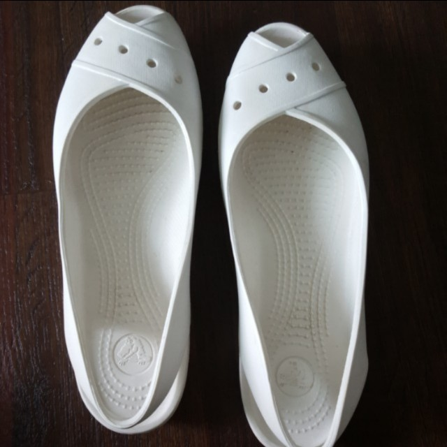 Almost New Crocs ladies size 9/40