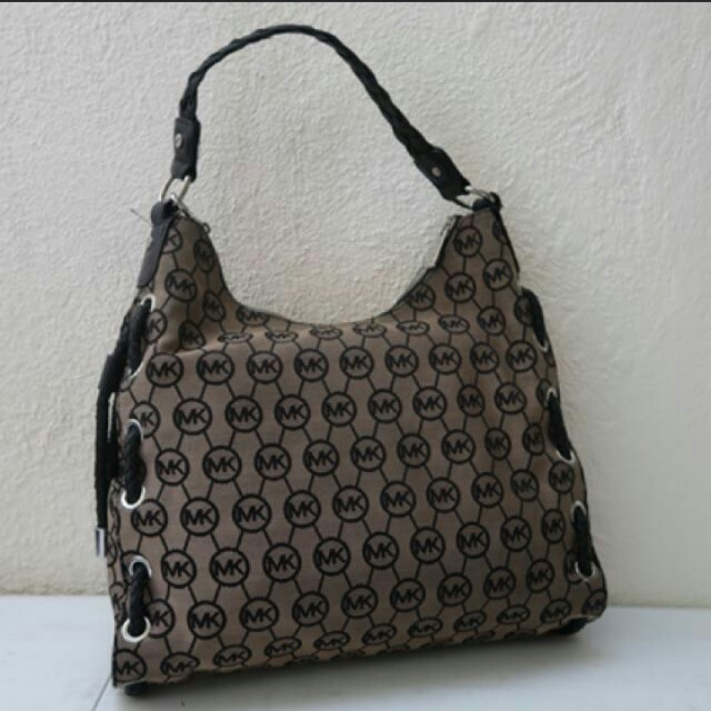 Authentic michael kors hobo bag repriced!!!