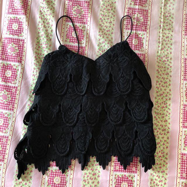 Black croptop