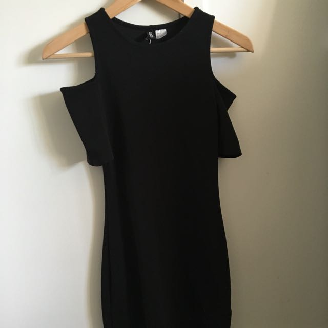 Black H&M off shoulder bodycon dress