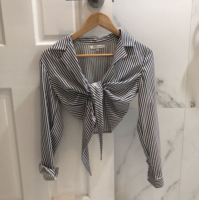 BUTTON-UP TIE FRONT TOP