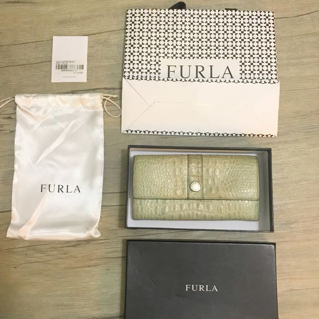 FAST SALE Authentic Furla Piper wallet