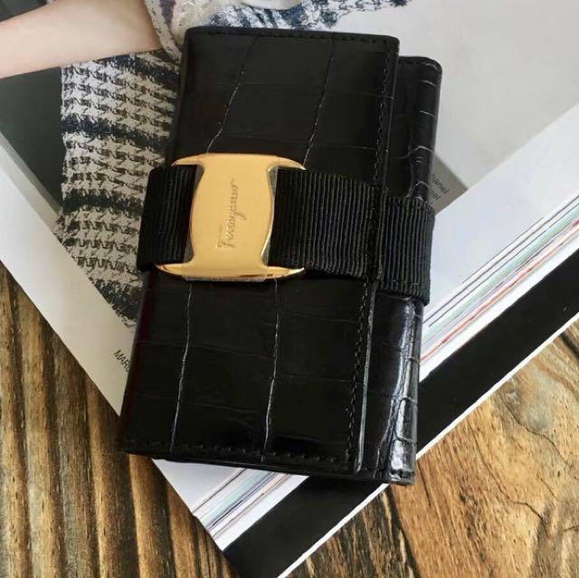 Ferragamo crocodile black key / card holder