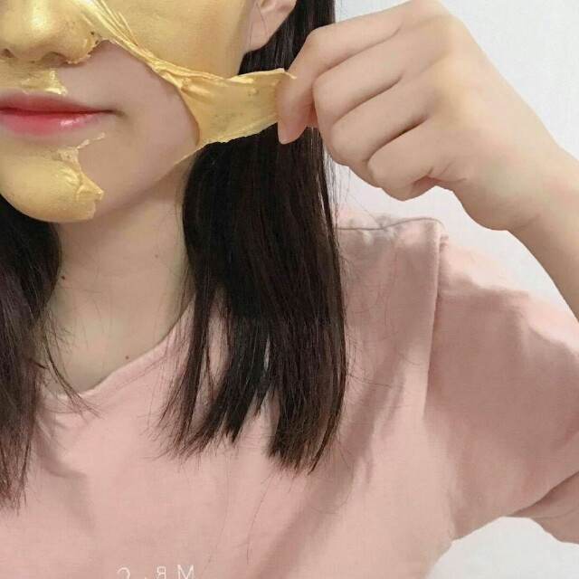 Golden pumpkin mask