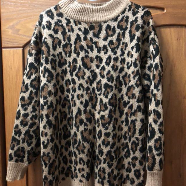 GU 豹紋毛衣