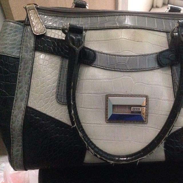 Guess Handbag authentic❤️❤️
