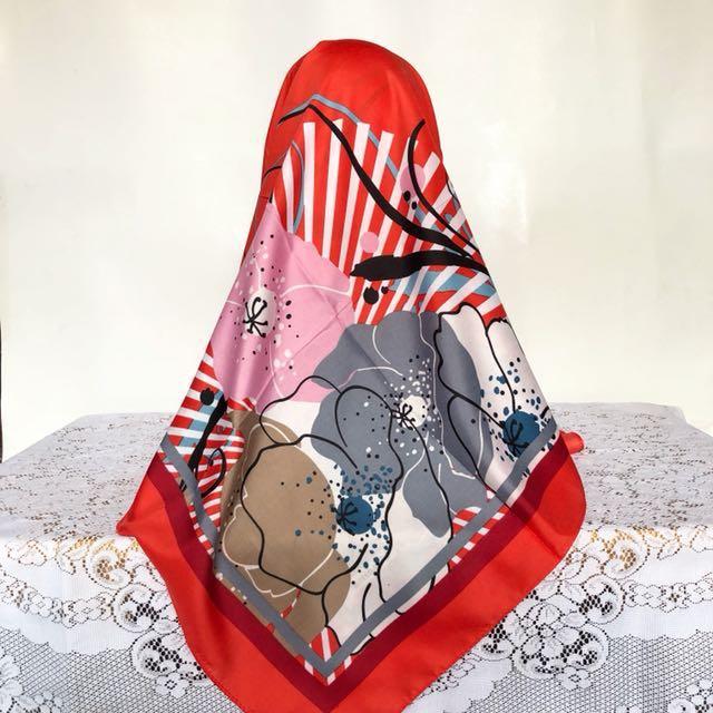 Hijab segi empat motif bahan katun