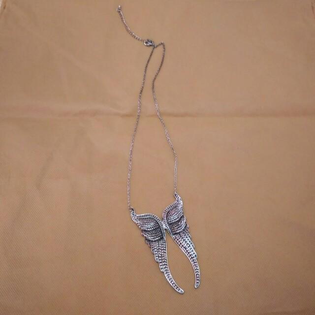 Kalung wings sayap
