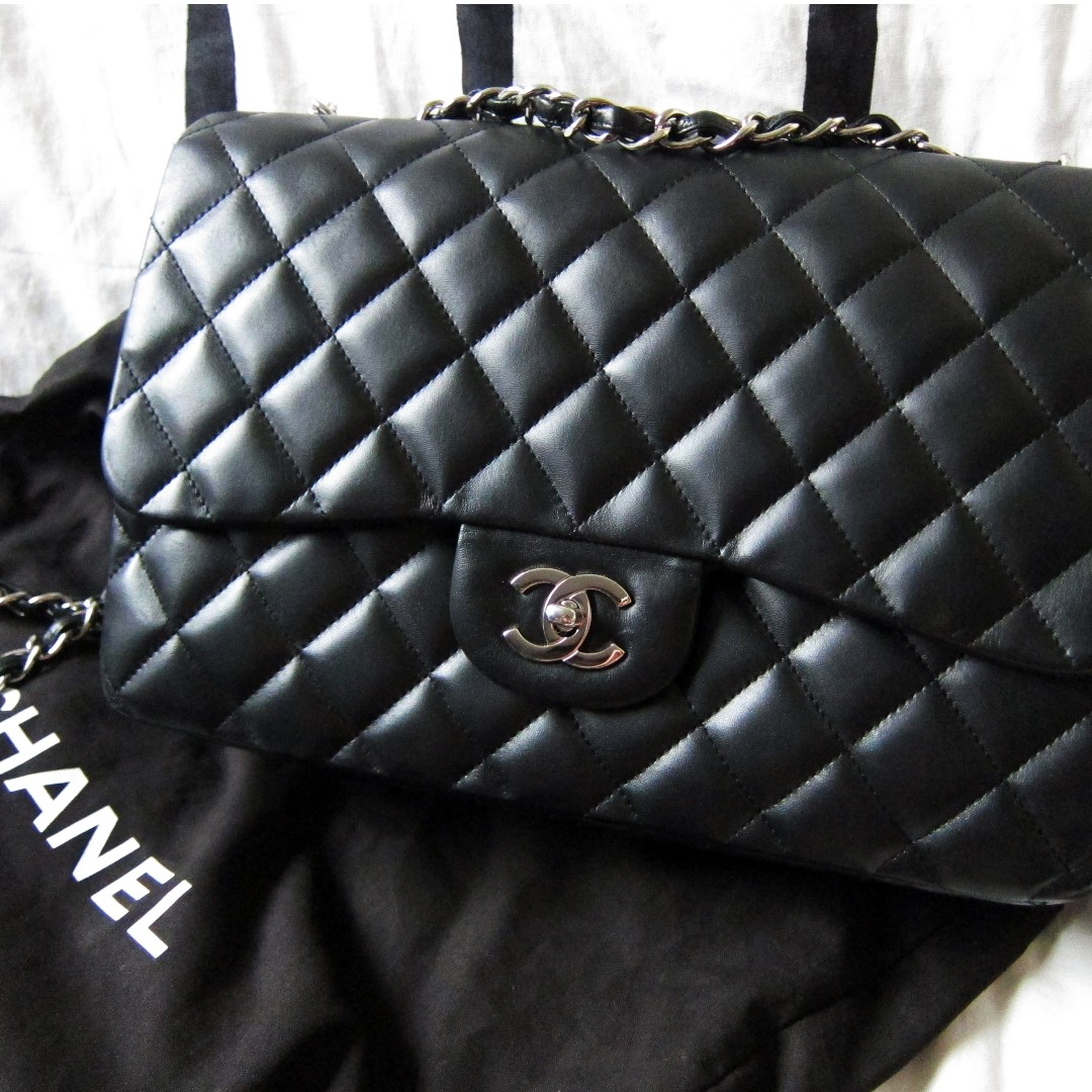 6b05a4fa7e1ed6 LN Authentic CHANEL Jumbo Classic Flap in Lambskin with SHW, Luxury ...